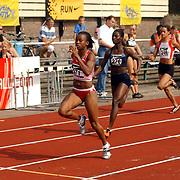 Arenagames 2004, 100 meter vrouwen, Delphine Atangana (271), Esther Dankwah(276), Tamara AIpassa(246)