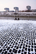 Europe, Germany, Cologne, view from the banks of the river Rhine in the district Deutz to the Crane Houses in the Rheinau harbor, snow. <br /> <br /> Europa, Deutschland, Koeln, Blick von der Deutzer Werft zu den Kranhaeusern im Rheinauhafen, Schnee.