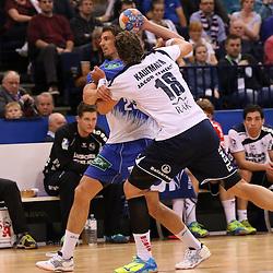 Hamburg, 24.05.2015, Sport, Handball, DKB Handball Bundesliga, HSV Handball - SG Flensburg-Handewitt : Adrian Pfahl (HSV Handball, #26), Lars Kaufmann (SG Flensburg-Handewitt, #18)<br /> <br /> Foto © P-I-X.org *** Foto ist honorarpflichtig! *** Auf Anfrage in hoeherer Qualitaet/Aufloesung. Belegexemplar erbeten. Veroeffentlichung ausschliesslich fuer journalistisch-publizistische Zwecke. For editorial use only.