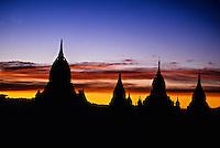 Sunset on the pagodas of Bagan (Pagan) from the Shwesandaw Pagoda, Burma (Myanmar)