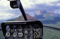 Tablero de control de helicoptero y tepuy Autana, Amazonas, Venezuela