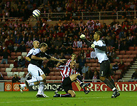 Fotball<br /> England 2005/2006<br /> Foto: SBI/Digitalsport<br /> NORWAY ONLY<br /> <br /> Sunderland v Manchester City<br /> The Barclays Premiership.<br /> 23/08/2005.<br /> Sunderland's Anthony Le Tallec (C) watches as Manchester City's David James (R) punches clear.