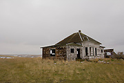 An old, abandoned house on the prairie of Central Oregon.