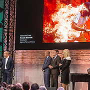 NLD/Amsterdam/20180412 - Prins Constantijn en Prinses Laurentien aanwezig bij uitreiking World Press Photo of the Year,  Ronaldo Schemidt