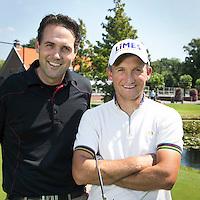 NOORDWIJKERHOUT - Golfpro's Tjeerd Staal (r) en Ronald Stokman (l) . Golfbaan Landgoed TESPELDUYN in Noordwijkerhout. COPYRIGHT KOEN SUYK