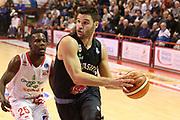 DESCRIZIONE : Campionato 2015/16 Giorgio Tesi Group Pistoia - Pasta Reggia Caserta<br /> GIOCATORE : Giuri Marco<br /> CATEGORIA : Penetrazione<br /> SQUADRA : Pasta Reggia Caserta<br /> EVENTO : LegaBasket Serie A Beko 2015/2016<br /> GARA : Giorgio Tesi Group Pistoia - Pasta Reggia Caserta<br /> DATA : 15/11/2015<br /> SPORT : Pallacanestro <br /> AUTORE : Agenzia Ciamillo-Castoria/S.D'Errico<br /> Galleria : LegaBasket Serie A Beko 2015/2016<br /> Fotonotizia : Campionato 2015/16 Giorgio Tesi Group Pistoia - Pasta Reggia Caserta<br /> Predefinita :