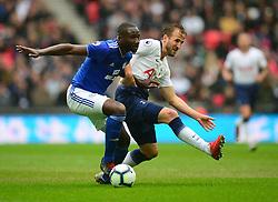 Harry Kane of Tottenham Hotspur battles for the ball with Souleymane Bamba of Cardiff City - Mandatory by-line: Alex James/JMP - 06/10/2018 - FOOTBALL - Wembley Stadium - London, England - Tottenham Hotspur v Cardiff City - Premier League