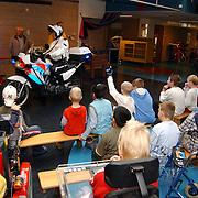 Open dag hulpdiensten Mythielschool de Trappenberg Huizen, politie, politiemotor, kinderen, gehandicapten