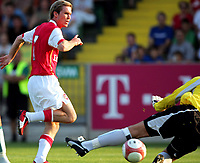 Mattersberg Austria 25/07/2006<br />SV Mattersburg v Arsenal Pre Season Friendly (1-2)<br />Alexander Hleb (Arsenal). <br />Photo  Thomas Karner fotpsports International /GEPA UK only