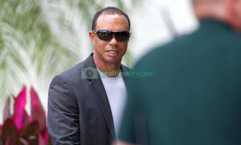 October 27, 2017 - Palm Beach Gardens, Florida, U.S. - Tiger Woods arrives at the North County Courthouse in Palm Beach Gardens, Florida on October 27, 2017. Tiger Woods is expected to plead guilty ''in abstentia'' to a charge of reckless driving in connection with his May arrest for DUI. A long-awaited plea deal, that would allow Woods to enter a DUI diversion program, is expected to be approved by Palm Beach County Judge Sandra Bosso-Pardo at a hearing at the North County Courthouse in Palm Beach Gardens. (Credit Image: © Allen Eyestone/The Palm Beach Post via ZUMA Wire)