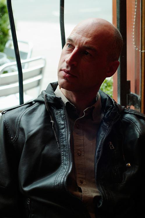 Graeme Obree in Glasgow for Rouleur magazine. 18.4.2011