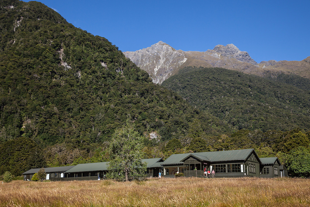 Glade House is the First Guest House on the famous Milford Track multi day hike that ends up at Milford Sound on the South Island of New Zealand