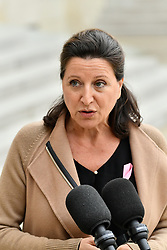 October 3, 2018 - Paris, Ile-de-France (region, France - Agnes Buzyn, Minister of Solidarities and Health out of the Council of Ministers, 03-09-2018 addresses the press for World Breast Cancer Day (Credit Image: © Julien Mattia/Le Pictorium Agency via ZUMA Press)