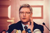 04 JAN 2000, BERLIN/GERMANY:<br /> Joachim Hörster, CDU, Parl. Geschäftsführer CDU/CSU Fraktion, während einer Pressekonferenz zum Geldtransfer an die CDU, Deutscher Bundestag, Unter den Linden 71<br /> IMAGE: 20000104-01/01-24<br /> KEYWORDS: Joachim Hoerster