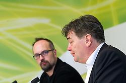 """03.05.2016, Grüner Klub, Wien, AUT, Grüne, Pressekonferenz mit dem Thema """"AUT, Grüne, PK TTIP-Verhandlungen abbrechen und CETA ablehnen"""". im Bild v.l.n.r. Europaabgeordneter Michel Reimon und Stv. Klubobmann und Budgetsprecher der Grünen Werner Kogler // f.l.t..r Michel Reimon and Assistant-leader and budgetary speaksman of the greens Werner Kogler during press conference of the parliamentary group the greens regarding to TTIP and CETA in Vienna, Austria on 2016/05/03. EXPA Pictures © 2016, PhotoCredit: EXPA/ Michael Gruber"""