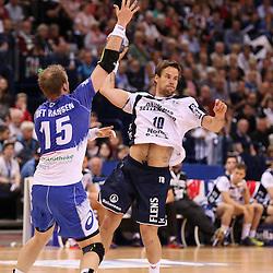 Hamburg, 24.05.2015, Sport, Handball, DKB Handball Bundesliga, HSV Handball - SG Flensburg-Handewitt : Henrik Toft Hansen (HSV Handball, #15), Thomas Mogensen (SG Flensburg-Handewitt, #10)<br /> <br /> Foto © P-I-X.org *** Foto ist honorarpflichtig! *** Auf Anfrage in hoeherer Qualitaet/Aufloesung. Belegexemplar erbeten. Veroeffentlichung ausschliesslich fuer journalistisch-publizistische Zwecke. For editorial use only.