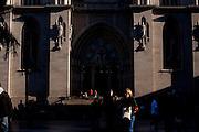 Sao Paulo_SP, Brasil...Pessoas em frente a Catedral Metropolitana de Sao Paulo ou Catedral da Se em Sao Paulo...People in front of the Metropolitan Cathedral of Sao Paulo in Sao Paulo...Foto: MARCUS DESIMONI / NITRO