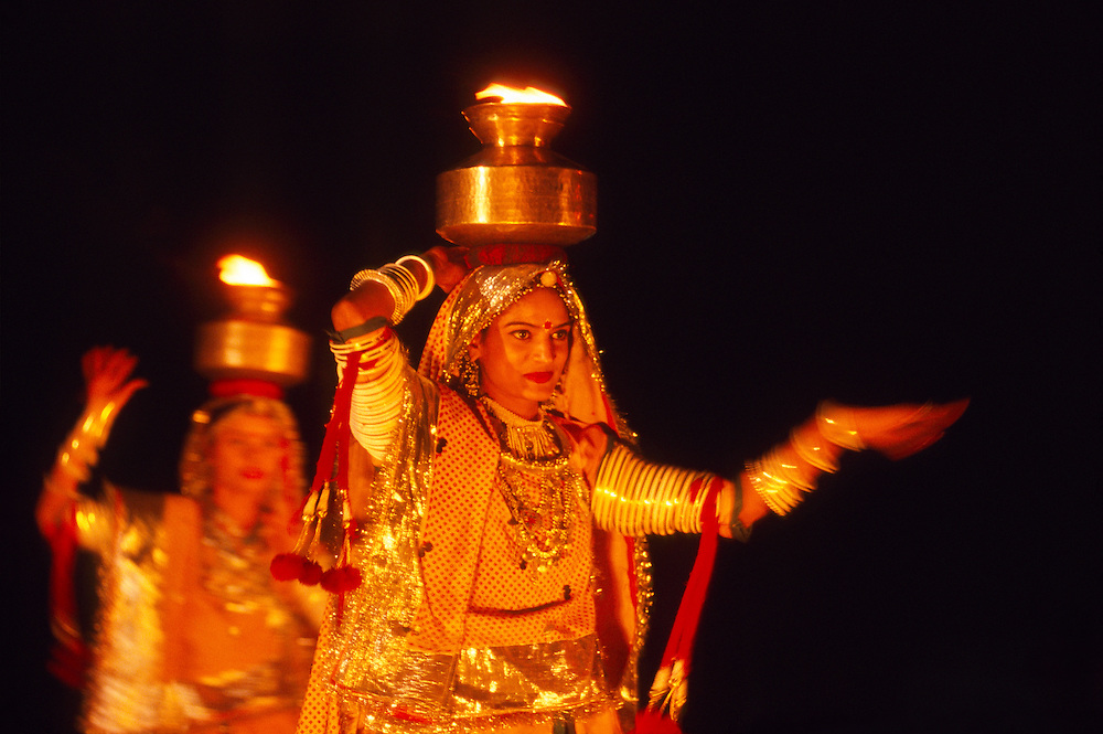 Rajasthani cultural performance, Pushkar Camel Fair, Pushkar, Rajasthan, India