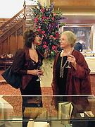 Ruth Padel and Professor Dame Gillian Beer. The Booker prize 2000. Guildhall, London EC2. 7 November 2000. © Copyright Photograph by Dafydd Jones 66 Stockwell Park Rd. London SW9 0DA Tel 020 7733 0108 www.dafjones.com