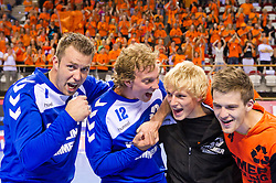 02-06-2011 HANDBAL: BEKERFINALE HURRY UP - O EN E: ALMERE<br /> (L-R) Keepers Guido Rink, Bart van Huisstede, Marijn Sinkeldam en Nick Masmeijer zijn blij met de overwinning<br /> ©2011-FotoHoogendoorn.nl / Peter Schalk