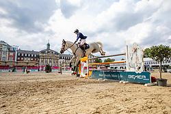 SHORT Emily (USA), COCO II<br /> Münster - Turnier der Sieger 2019<br /> Preis des EINRICHTUNGSHAUS OSTERMANN, WITTEN<br /> CSI4* - Int. Jumping competition  (1.45 m) - <br /> 1. Qualifikation Mittlere Tour<br /> Medium Tour<br /> 02. August 2019<br /> © www.sportfotos-lafrentz.de/Stefan Lafrentz