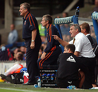 Fotball<br /> England<br /> Foto: SBI/Digitalsport<br /> NORWAY ONLY<br /> <br /> Coca-Cola Championship.<br /> Ipswich Town v  Wolverhampton Wanderers 30/08/2004<br /> <br /> Ipswich Town's manager Joe Royle smiles as Wolverhampton Wanderers' Dave Jones trys to get his point accross to his players
