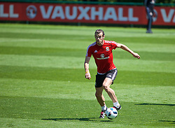 CARDIFF, WALES - Thursday, June 2, 2016: Wales' Gareth Bale during a training session at the Vale Resort Hotel ahead of the International Friendly match against Sweden. (Pic by David Rawcliffe/Propaganda)