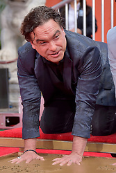 May 1, 2019 - Los Angeles, Kalifornien, USA - Johnny Galecki bei der Handprints Ceremony am TCL Chinese Theatre Hollywood. Los Angeles, 01.05.2019 (Credit Image: © Future-Image via ZUMA Press)