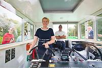 Berlin, 11.09.2021: Dampferfahrt der SPD Charlottenburg-Wilmersdorf mit Franziska Giffey, Kandidatin der SPD für das Amt der Regierenden Bürgermeisterin von Berlin. Giffey durfte das Schiff für kurze Zeit selbst steuern.