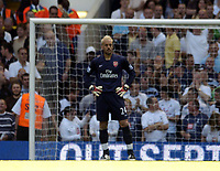 Photo: Olly Greenwood.<br />Tottenham Hotspur v Arsenal. The FA Barclays Premiership. 15/09/2007. Manuel Almunia looks dejected to consede to Spurs Gareth Bale