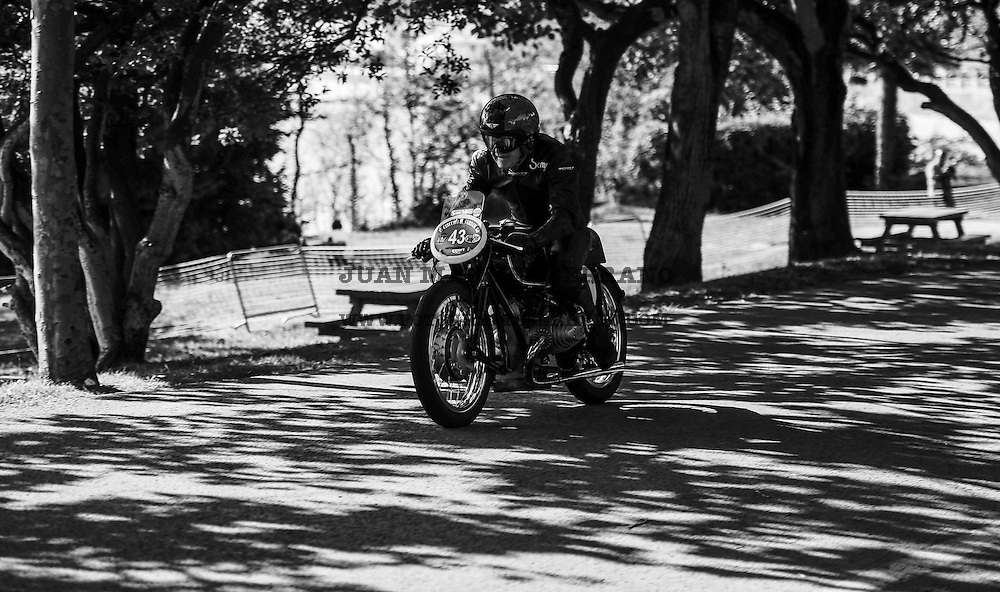 29-09-2013 Santander<br /> IV Gran Carrera Motos Clasicas en el Palacio de la Magdalena<br /> <br /> <br /> Fotos: Juan Manuel Serrano Arce
