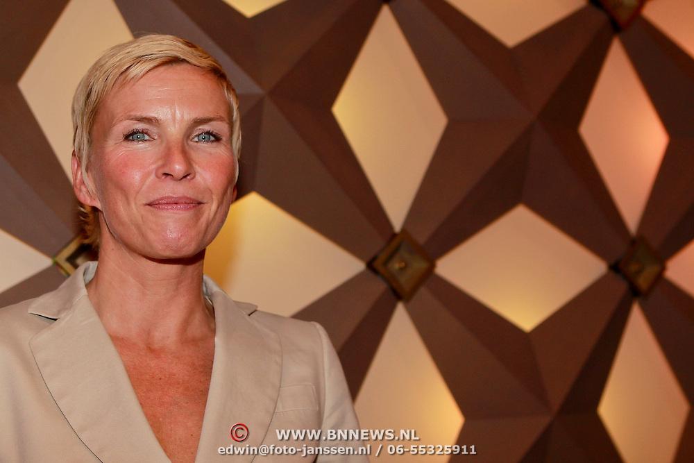NLD/Hilversum/20110414 - Perspresentatie nieuw seizoen Sterren op het Doek, Anita Witzier