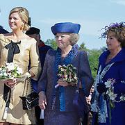 NLD/Rhenen/20120430 - Koninginnedag 2012 Rhenen, Willem -Alexander en partner Maxima, koninging Beatrix, Margriet