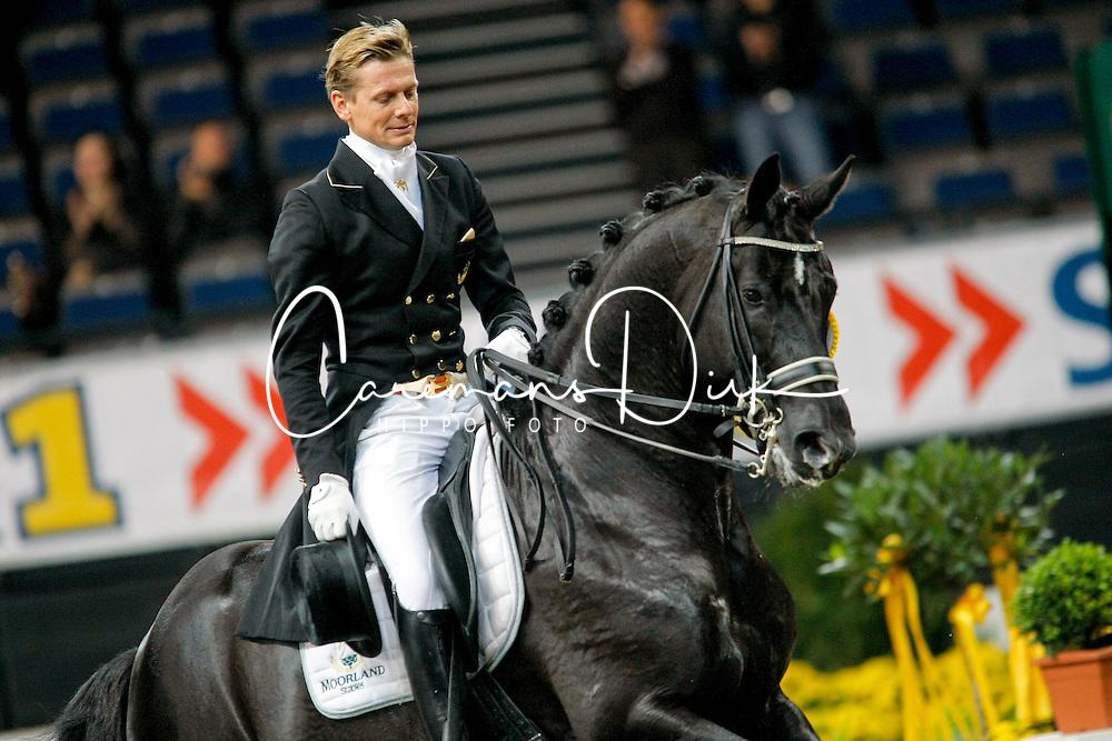 Gal Edward (NED) - Moorland Totilas<br /> CDI-W Stuttgart German Masters 2009<br /> Photo© Dirk Caremans