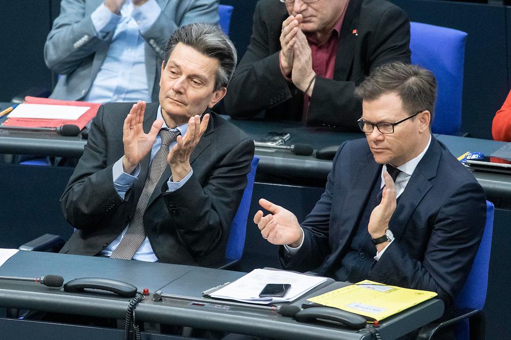 13 FEB 2020, BERLIN/GERMANY:<br /> Rolf Muetzenich (L), MdB, SPD, Fraktionsvorsitzender SPD Bundestagsfraktion, Carsten Schneider (R), SPD, 1. Parl. Geschaeftsfuehrer der SPD bundestagsfraktion, Sitzung des Deutsche Bundestages, Plenum, Reichstagsgebaeude<br /> IMAGE: 20200213-01-006<br /> KEYWORDS: Rolf Mützenich