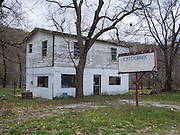 Creekbank is an old motel on Oklahoma State Highway 20 near Spavinaw.