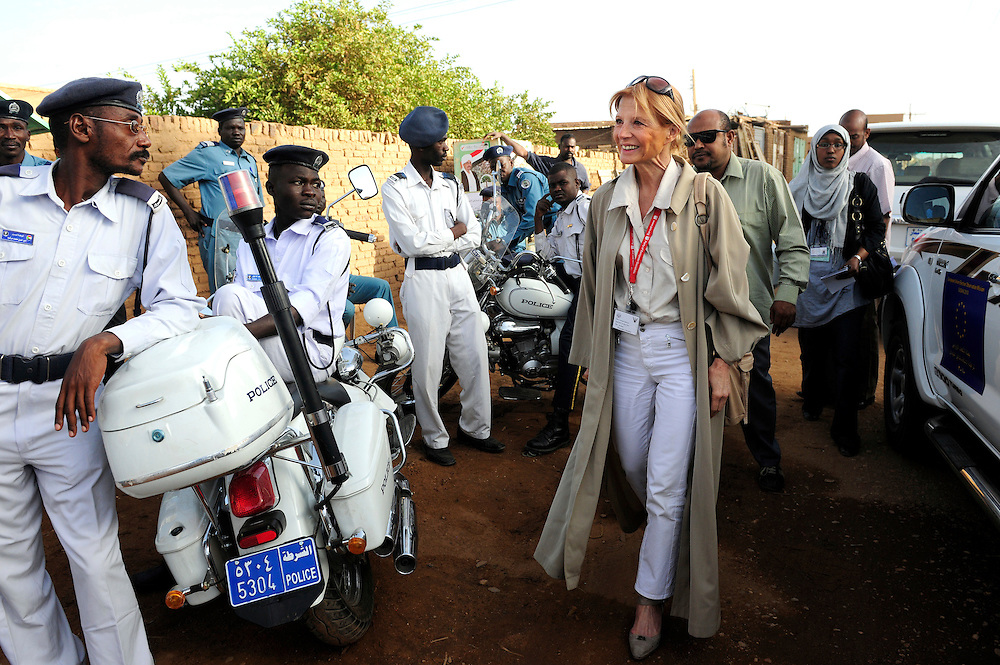 Khartoum, Sudan 11 April 2010.EU mission chief observer Veronique de Keyser arrives to a polling station during the presidential elections in Sudan..Photo : Scorpix