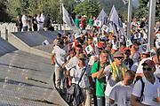 Bosnie, Potocari, 10-7-2015 Mars vanaf Tuzla naar potocari,aankomst in het memorial, herdenkingscentrum, voor de vrede op de vooravond van de 20e herdenking van de massamoord, genocide, op burgers uit de enclave Srebrenica . Foto: ANP/ Hollandse Hoogte/ Flip Franssen