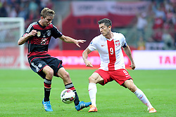 11.10.2014, National Stadium, Warsaw, POL, UEFA Euro Qualifikation, Polen vs Deutschland, Gruppe D, im Bild CHRISTOPH KRAMER (L), ROBERT LEWANDOWSKI (P) // during the UEFA EURO 2016 Qualifier group D match between Poland and Germany at the National Stadium in Warsaw, Poland on 2014/10/11. EXPA Pictures © 2014, PhotoCredit: EXPA/ Newspix/ Michal Stanczyk<br /> <br /> *****ATTENTION - for AUT, SLO, CRO, SRB, BIH, MAZ, TUR, SUI, SWE only*****