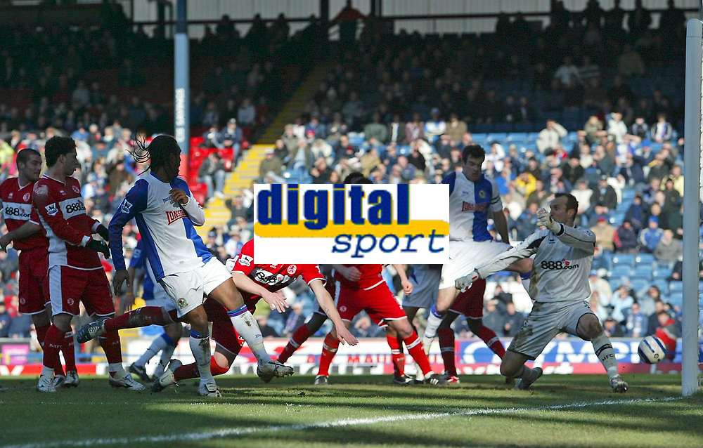 Photo: Andrew Unwin.<br />Blackburn Rovers v Middlesbrough. The Barclays Premiership. 18/03/2006.<br />A free-kick from Blackburn's Morten Gamst Pedersen curls its way into the Middlesbrough goal.