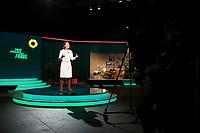 DEU, Deutschland, Germany, Berlin, 20.11.2020: Annalena Baerbock, Bundesvorsitzende von BÜNDNIS 90/DIE GRÜNEN, bei ihrer Rede auf dem digitalen Bundesparteitag von BÜNDNIS 90/DIE GRÜNEN im Tempodrom.