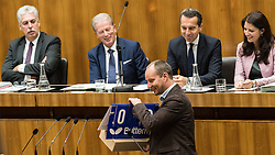 13.10.2016, Parlament, Wien, AUT, Parlament, Nationalratssitzung, Sitzung des Nationalrates mit Generaldebatte über das Bundesfinanzgesetz 2017, im Bild Klubobmann NEOS Matthias Strolz vor Bundesminister für Finanzen Hans Jörg Schelling (ÖVP), Vizekanzler und Minister für Wirtschaft und Wissenschaft Reinhold Mitterlehner (ÖVP), Bundeskanzler Christian Kern (SPÖ) und Staatssekretärin Muna Duzdar (SPÖ) // Leader of the Parliamentary Group NEOS Matthias Strolz in front of Austrian Minister of Finance Hans Joerg Schelling, Vice Chancellor of Austria and Minister of Science and Economy Reinhold Mitterlehner, Federal Chancellor of Austria Christian Kern and State Secretary Muna Duzdar during meeting of the National Council of austria according to government budget 2017 at austrian parliament in Vienna, Austria on 2016/10/13, EXPA Pictures © 2016, PhotoCredit: EXPA/ Michael Gruber