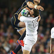 Ben Foden, England, takes a high kick as Sean Lamont, Scotland, challenges during the England V Scotland Pool B match during the IRB Rugby World Cup tournament. Eden Park, Auckland, New Zealand, 1st October 2011. Photo Tim Clayton...