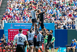 July 22, 2018 - San Francisco, CA, U.S. - SAN FRANCISCO, CA - JULY 22: New Zealand's Scott Curry and Fiji's Paula Dranisinukula vie for the ball on a lineout during the semifinal match between New Zealand and Fiji at the Rugby World Cup Sevens on July 22, 2018 at AT&T Park in San Francisco, CA. (Photo by Bob Kupbens/Icon Sportswire) (Credit Image: © Bob Kupbens/Icon SMI via ZUMA Press)