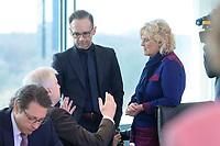 04 MAR 2020, BERLIN/GERMANY:<br /> Horst Seehofer, CSU, Bundesinnenminister, Heiko Maas, SPD, Bundesaussenminister, Christine Lambrecht, SPD, Bundesjustizministerin, (v.L.n.R.), im Gespraech, vor Beginn der Kabinettsitzung, Bundeskanzleramt<br /> IMAGE: 20200304-01-029<br /> KEYWORDS: Kabinett, Sitzung, Gespräch