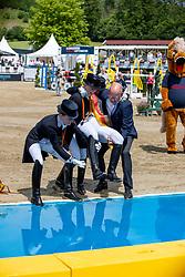 Bredow-Werndl Jessica von (GER), Werth Isabell (GER), Langehanenberg Helen (GER), RÖSER Klaus (Dressurausschuss)<br /> Balve - Longines Optimum 2019<br /> Siegerehrung<br /> LONGINES Grosser Optimum Preis<br /> Deutsche Meisterschaft Dressur<br /> Grand Prix Kür<br /> 16. Juni 2019<br /> © www.sportfotos-lafrentz.de/Stefan Lafrentz