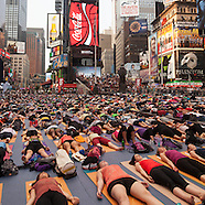 NY491A yoga parade in Times square