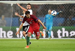 Andre Gomes of Portugal battles for the ball with Martin Harnik of Austria  - Mandatory by-line: Joe Meredith/JMP - 18/06/2016 - FOOTBALL - Parc des Princes - Paris, France - Portugal v Austria - UEFA European Championship Group F