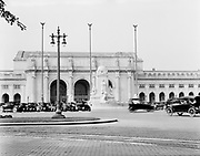 0613-B068.  Union Station, Columbus Circle at Massachusetts Ave. and First St. Washington, DC, 1922