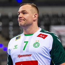enttaeuscht: Christian Zeitz (TSV GWD Minden #7) ; 1. Handball Bundesliga: TVB Stuttgart - TSV GWD Minden am 10.12.2020 in Stuttgart (PORSCHE Arena), Baden-Wuerttemberg, Deutschland<br /> <br /> Foto © PIX-Sportfotos *** Foto ist honorarpflichtig! *** Auf Anfrage in hoeherer Qualitaet/Aufloesung. Belegexemplar erbeten. Veroeffentlichung ausschliesslich fuer journalistisch-publizistische Zwecke. For editorial use only.
